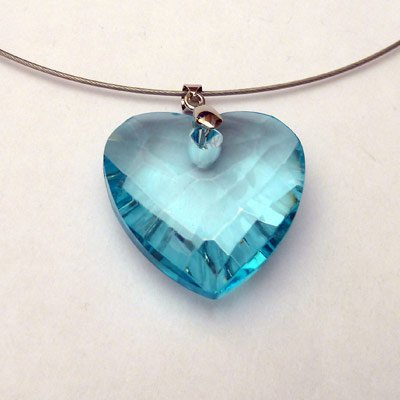 http://www.bijouxfous.com/( Collier fantaisie en cristal de verre)