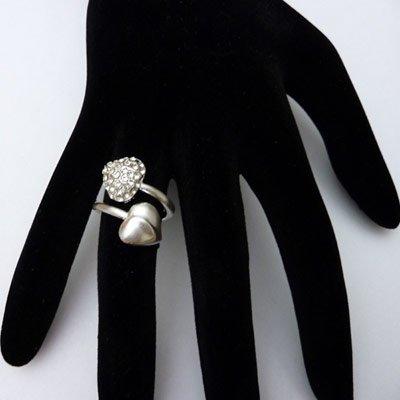 http://www.bijouxfous.com/( Bague argentée)