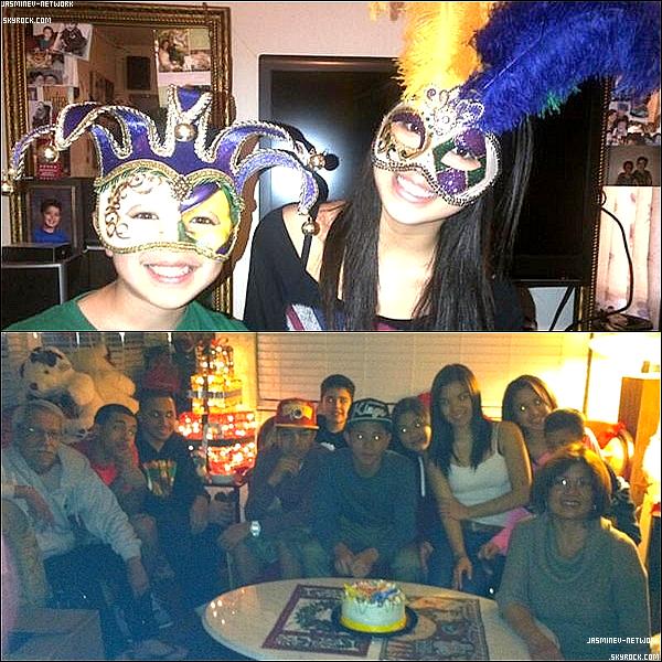 """31 Décembre : Jasmine à postée sur son compte Twitter une photo avec sa famille """"Bonne Année""""  Des vidéos sont apparues avec Jasmine et sa Famille."""