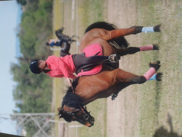 Voilà le sport que je pratique comme chloé ! Le pony games ♥