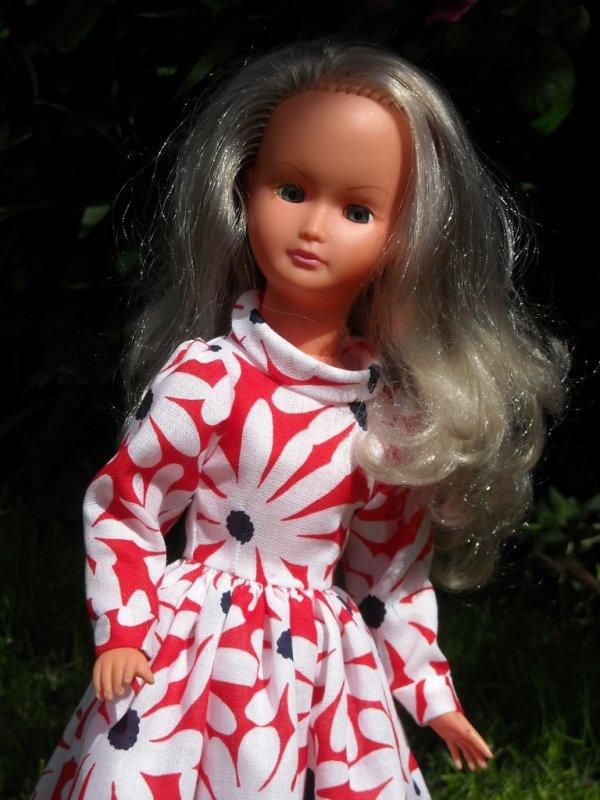 Une nouvelle robe pour Dolly
