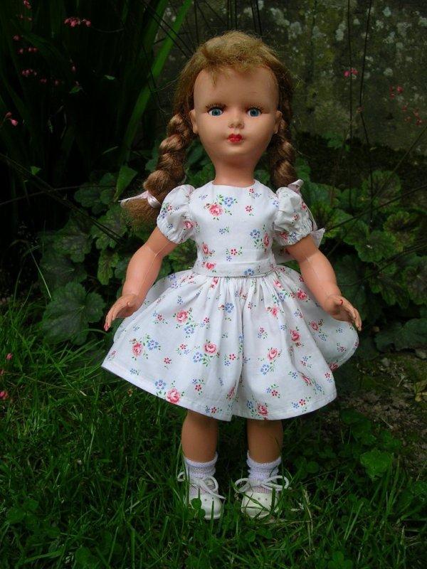 Nadette, la poupée de la revue Bernadette