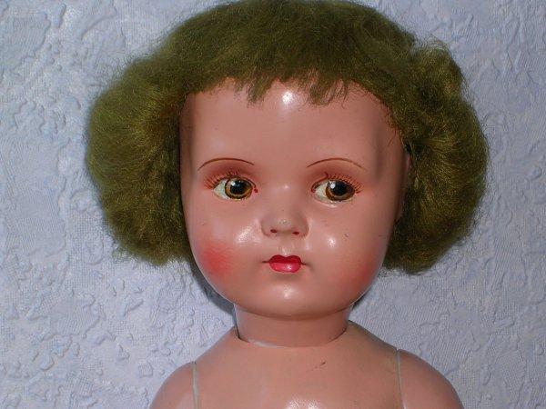 La poupée mystère