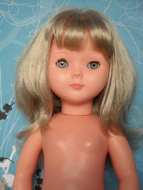 Valérie, poupée du magazine, Mon ouvrage Madame