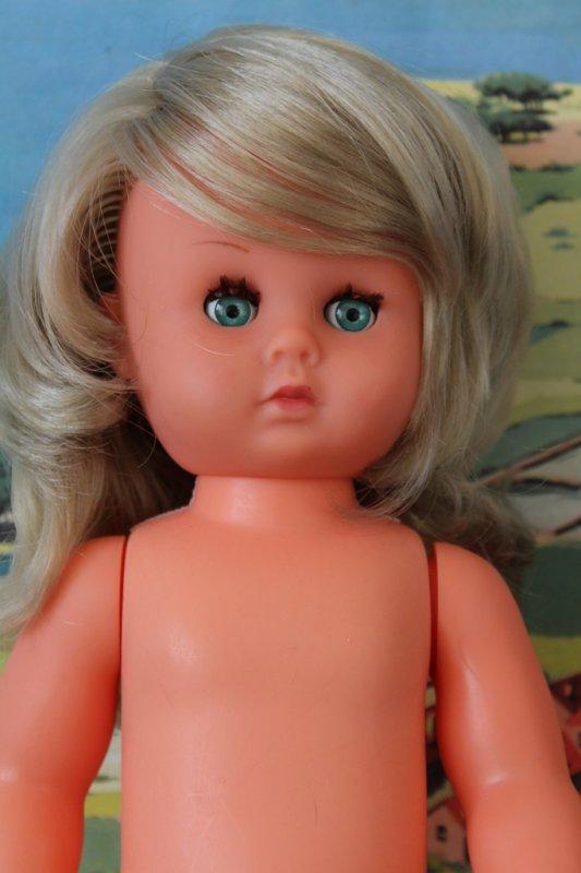 Valérie, poupée du magazine Lisette