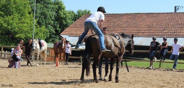 Journée parents montent à cheval Ω