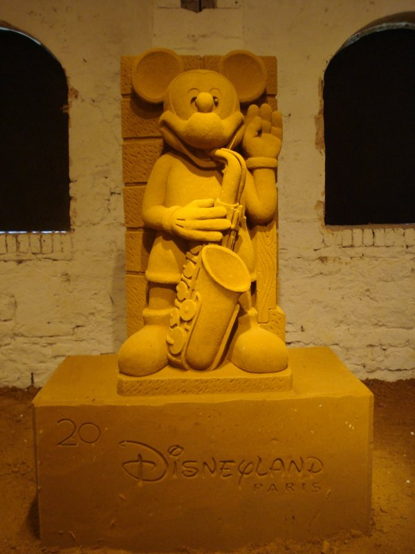 Mickey Mouse Waving Goodbye