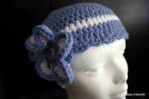 Bonnet bébé Bleu lavande et blanc crocheté main