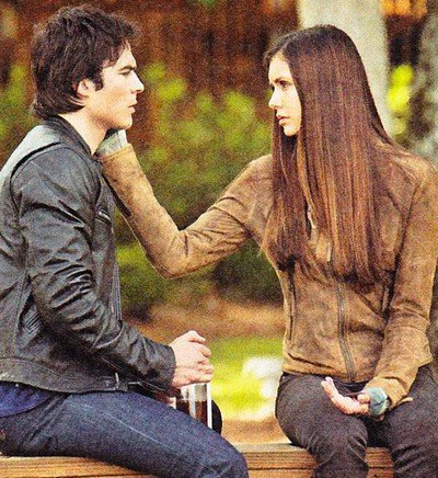 "Vampire Diaries"" saison 4 : Elena est-elle amoureuse de Damon ?"