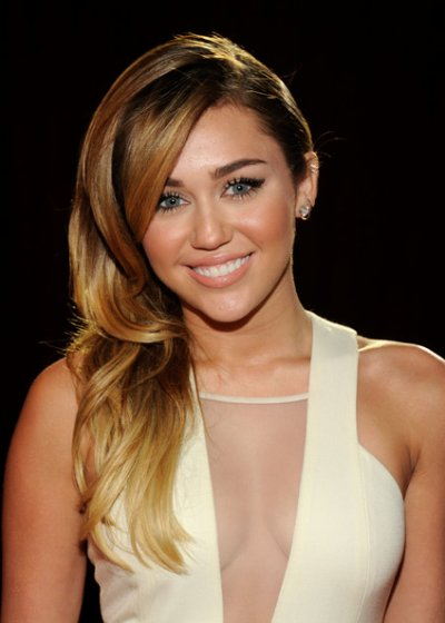 mileycyrus au choice awards 2012