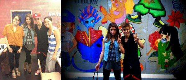 Actuellement au Japon, notre couple préférée Selena Gomez et Justin Bieber nous font part de quelques photos personnels en direct de leurs vacances à Tokio. Retrouvez en deux dans la galerie ♥