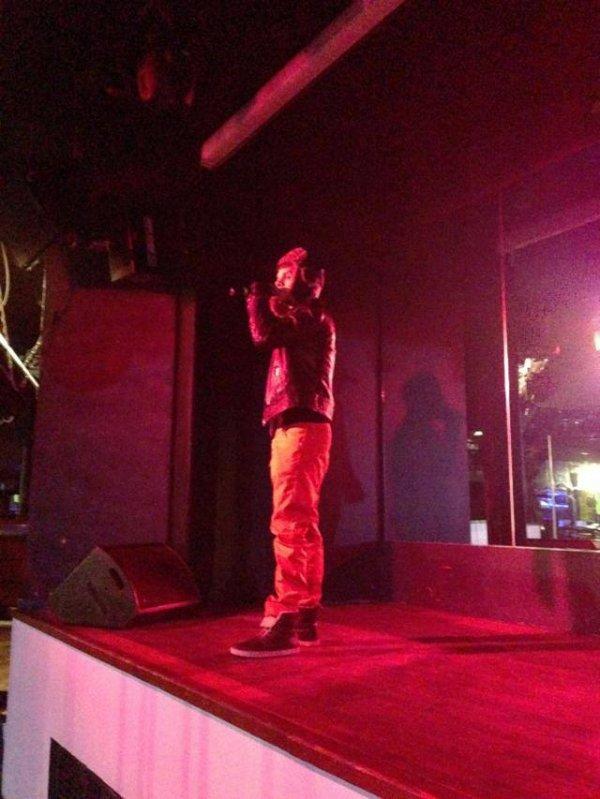 Keen'v Nawaach hier en showcase au 29 Discothèque à Faou le 11/01/14
