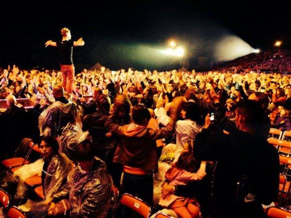 Keen'v hier au Concert pour Tout le monde chante contre le cancer à VILLEFRANCHE-DE-ROUERGUE  le 04/07/2014