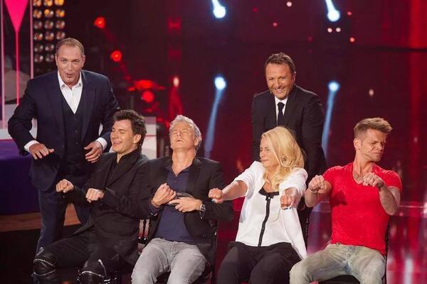 Une photo + vidéo Keen'v dans l'émission Stars sous Hypnose sur TF1 le 11/07/2014 à 20h50