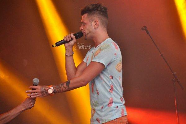 Des new photos de Keen'v au Concert Cristal Live à Lisieux 2014