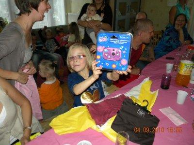 photo de l'anniversaire de léanne surtout les cadeaux