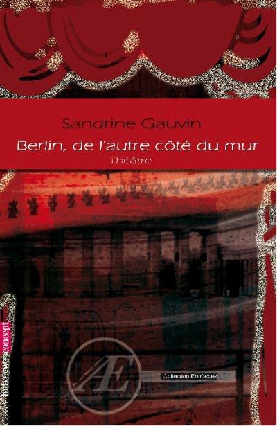 """LE LIVRE """"Berlin de l'autre côté du mur """" inspirée de l'album """"Les aventures de Simon et Gunther"""" de D.Balavoine (PARTIE 1)"""
