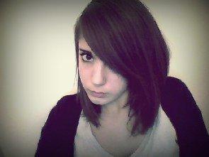 Songe après songe tu me manques, et les peines ne disparaissent pas.