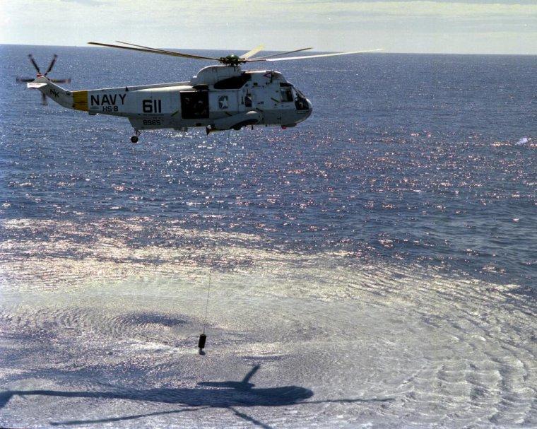 hélicoptère lynx royal navy