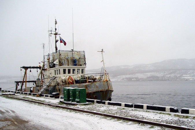 """l""""equipage du sous marin nucleaire russe Daniil Moskovsky donne l'exemple , les vrai marins existe encore??"""