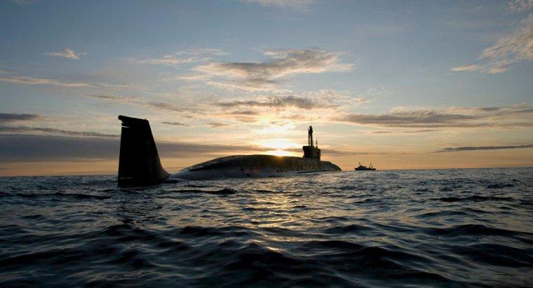 des pecheurs alerte de la présence d'un sous marin inconnu