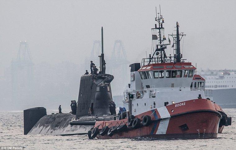 la royal navy n'aurai pu un sous marin d'attaque en service