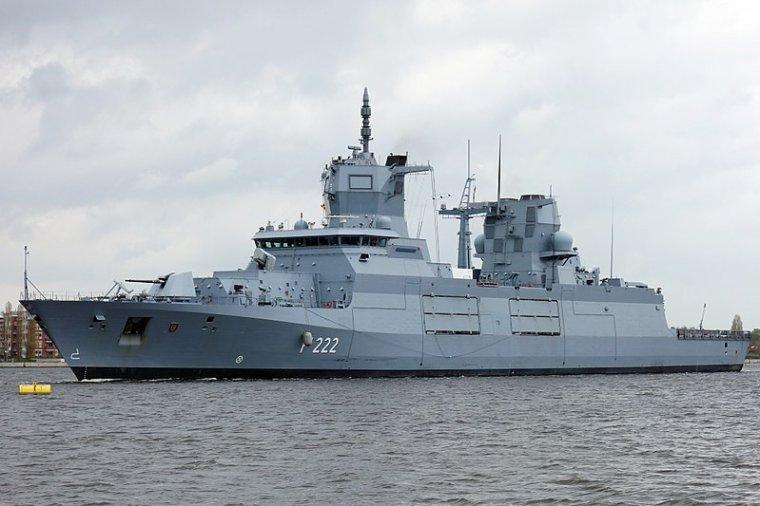 la royal navy et la deutch marine n'ont été impliquées dans aucun  accident  en 2017 en voici les raisons