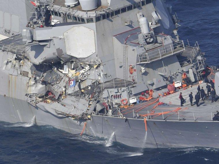 L'US Navy met en examen les commandants de 2 destroyers pour homicide par négligence