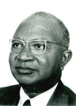 Ceux qui ont marqué l'histoire comorienne : Mohamed Ahmed ,Biographie de la Ve République