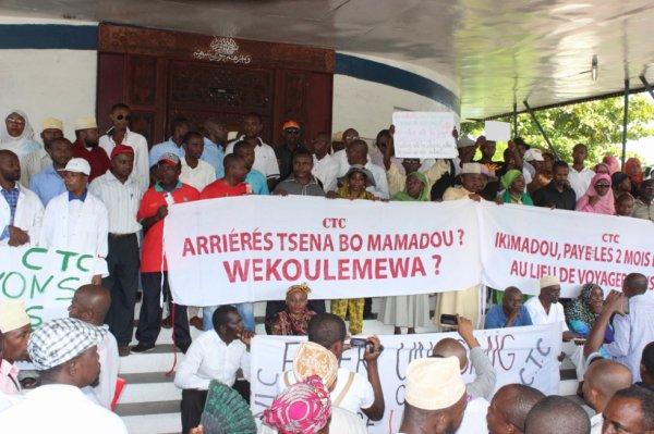 Marche pacifique des agents de l'Etat : «Non aux arriérés de salaire et à la précarité»