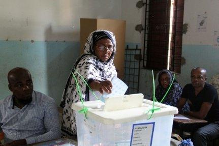 Présidentielle aux Comores: ouverture progressive des bureaux de vote