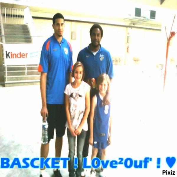 moi ma soeur et deux basketeur ;)