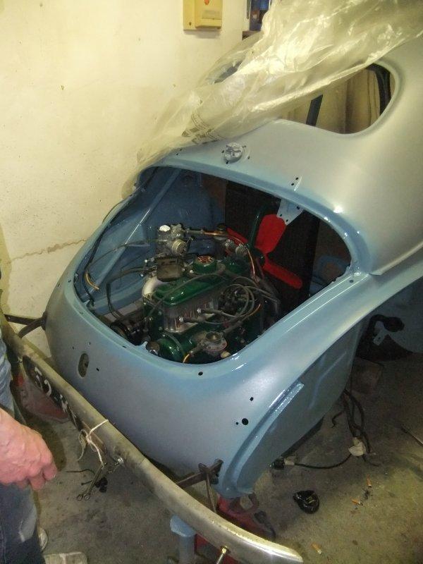 assemblage moteur,boite dans la 4cv