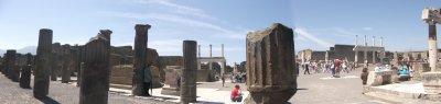 pompei(le forom,c'etait un genre de centre ville)