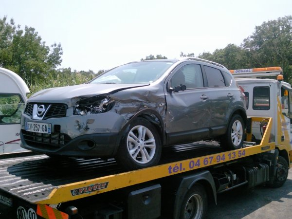 Accident blog de garagedes7fonts for Garage nissan sete