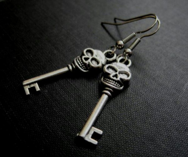 Gate key out of hell