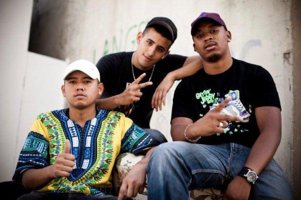 93.4 FM / Qui sont les vrais (Bengbeng Chico C2c) (2012)
