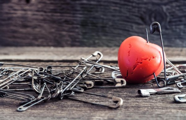La quête de l'amour perdu et les malles de trésors de faïence