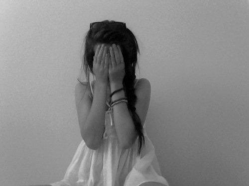 Mais je hais surtout de ne pas te haïr, ni un seul instant, ni une seule minute, ni même du tout.