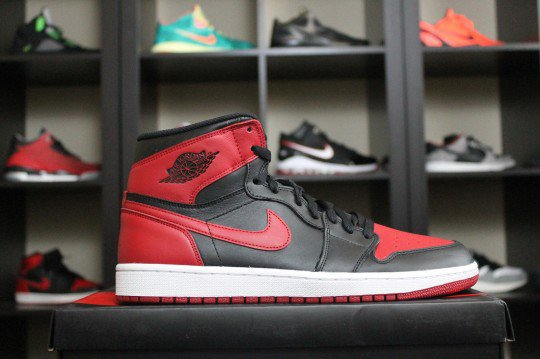 Shoes: Air Jordan 1 Bred