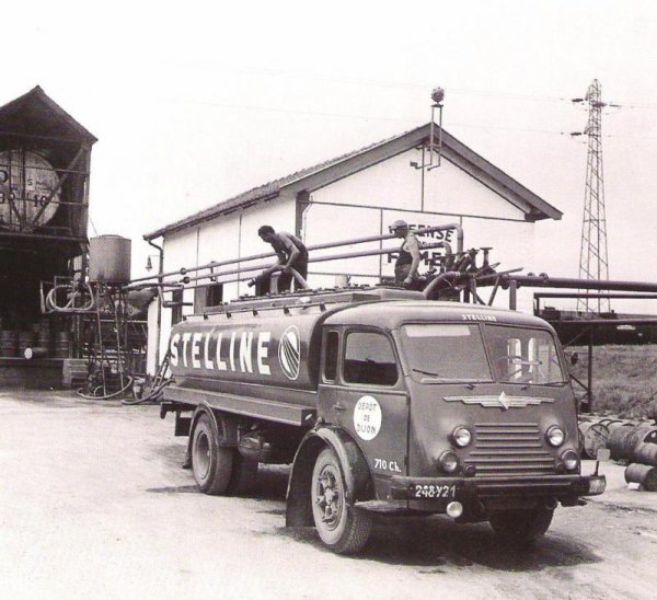 R 4141 spécial pétrolier