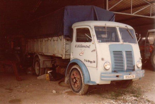 Les camions d' après guerre.