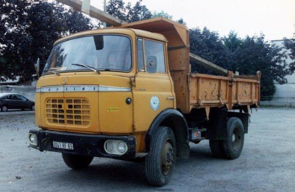 Les camions d' après guerre