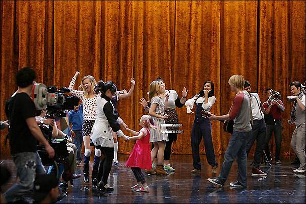 Découvrez désormais des photos Behind The Scène de l'épisode« Nationales » appellé également« New York ».