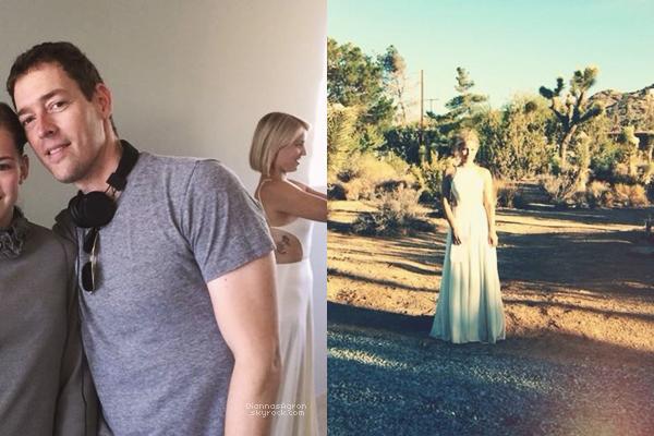 Nouvelle robe pour Tess et un nouveau jour de tournage pour Di sur le set du film 'Headlock'.