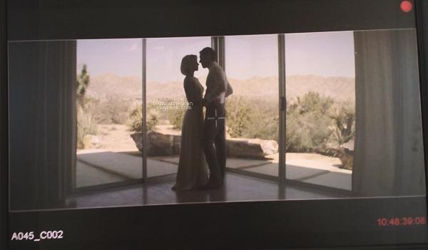 Nouvelle photo prise à même la caméra, d'une scène d'amour entre les personnages de Di' et Mark Polish.