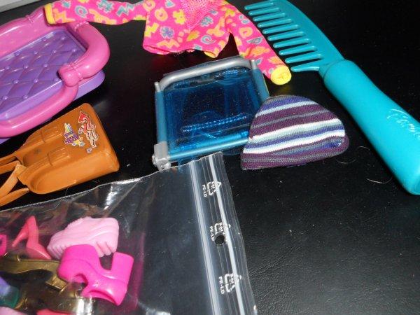 MERCREDI divers accessoires Barbie