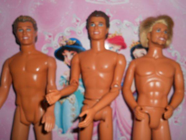 pour Julie a la demande , ancien Ken a vendre ils ont plus de 30 ans !!