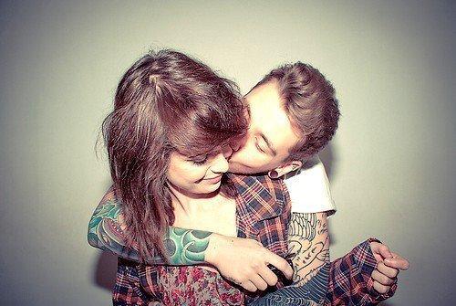 """""""Je t'aime, mais juste un peu, histoire de ne pas trop m'attacher et ne pas avoir à souffrir en retour""""."""