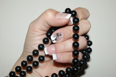 french et nail art simple noir